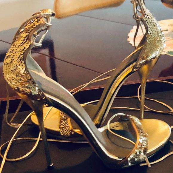 Gucci Shoes - GUCCI GOLD Heels